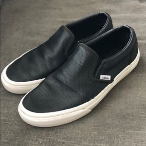 Black leather Vans 😎